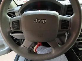 2006 Jeep Grand Cherokee - Image 20