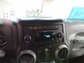 2011 Jeep Wrangler - Image 17