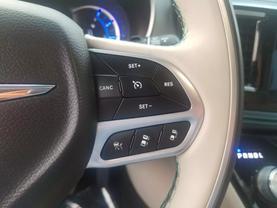 2018 Chrysler Pacifica Hybrid - Image 11