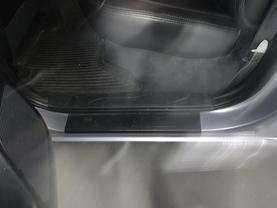 2016 Toyota Tacoma Double Cab - Image 8