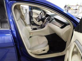 2015 Ford Taurus - Image 10