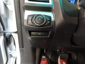 2014 Ford Explorer - Image 27