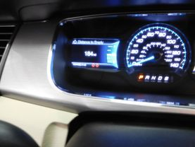 2015 Ford Taurus - Image 21