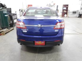 2015 Ford Taurus - Image 2