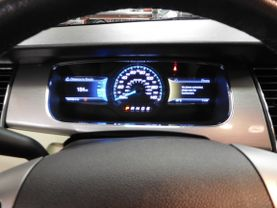 2015 Ford Taurus - Image 20