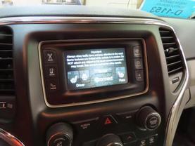 2017 Jeep Grand Cherokee - Image 19