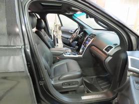 2013 Ford Explorer - Image 11