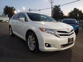 2013 Toyota Venza - Image 1