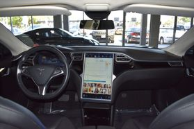 2015 Tesla Model S - Image 27