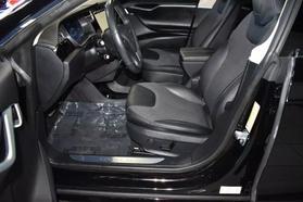 2015 Tesla Model S - Image 10