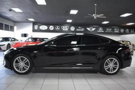 2015 Tesla Model S - Image 2