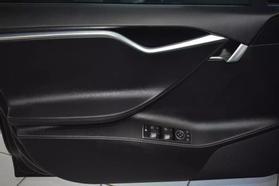2015 Tesla Model S - Image 9