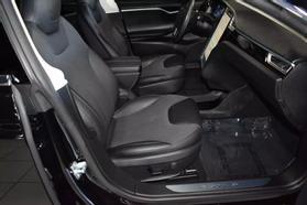 2015 Tesla Model S - Image 30