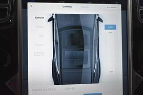 2015 Tesla Model S - Image 38