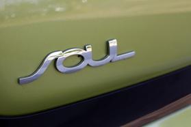 2014 Kia Soul Wagon 4d  Rnd719487 - Image 11