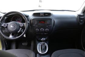 2014 Kia Soul Wagon 4d  Rnd719487 - Image 17