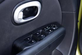 2014 Kia Soul Wagon 4d  Rnd719487 - Image 14