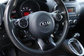 2014 Kia Soul Wagon 4d  Rnd719487 - Image 15