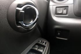 2016 Nissan Versa Sv Sedan 4d  Rnd888800 - Image 17