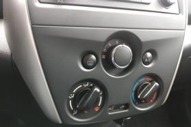 2016 Nissan Versa Sv Sedan 4d  Rnd888800 - Image 19