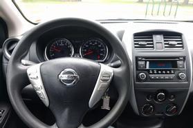 2016 Nissan Versa Sv Sedan 4d  Rnd888800 - Image 15