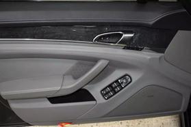 2013 Porsche Panamera - Image 9