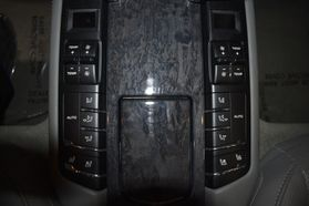 2013 Porsche Panamera - Image 16