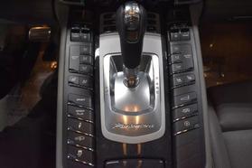 2013 Porsche Panamera - Image 31