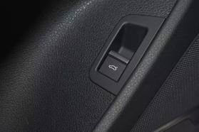 2017 Audi Q7 - Image 32