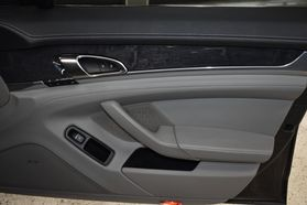 2013 Porsche Panamera - Image 23
