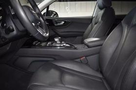 2017 Audi Q7 - Image 10