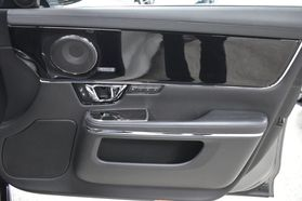 2016 Jaguar Xj - Image 22