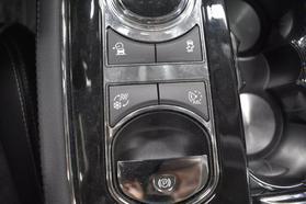 2016 Jaguar Xj - Image 32