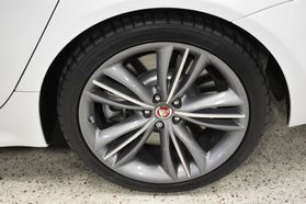 2016 Jaguar Xj - Image 47