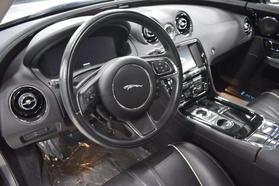 2016 Jaguar Xj - Image 13