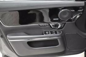 2016 Jaguar Xj - Image 10