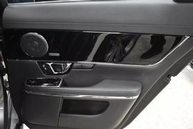 2016 Jaguar Xj - Image 19
