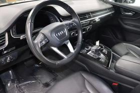 2017 Audi Q7 - Image 12