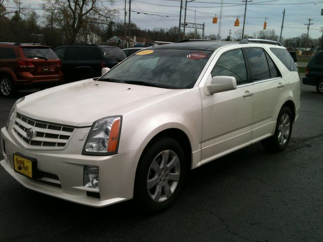 2007 Cadillac SRX Sport Utility 4DWelcome to Avenue Auto Jacksons Top Used Car Dealership We pr