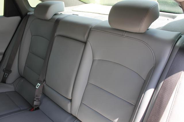 2016 Chevrolet Malibu - Image 17