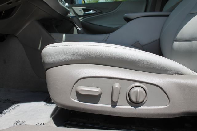 2016 Chevrolet Malibu - Image 10