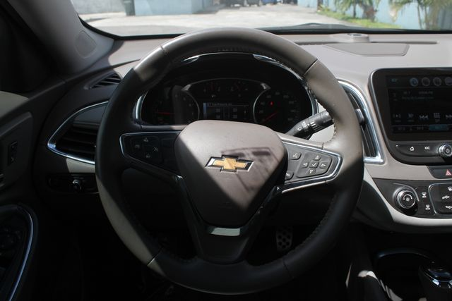 2016 Chevrolet Malibu - Image 19