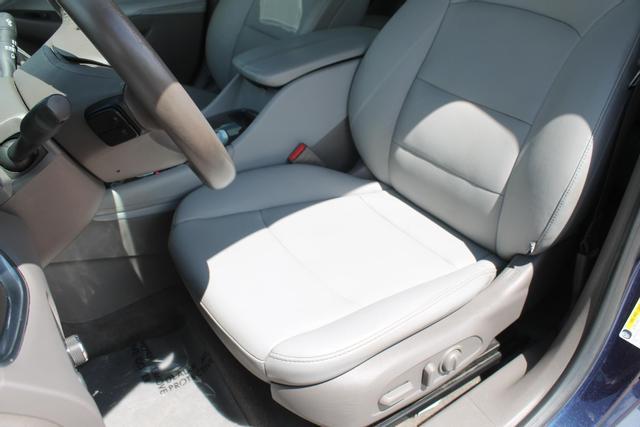 2016 Chevrolet Malibu - Image 9