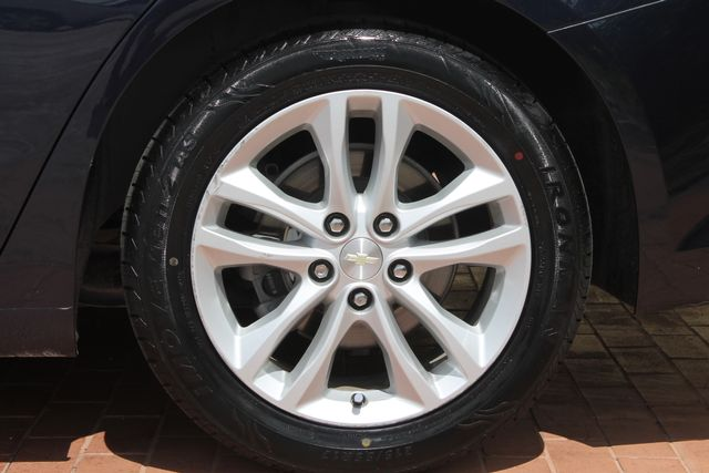 2016 Chevrolet Malibu - Image 33