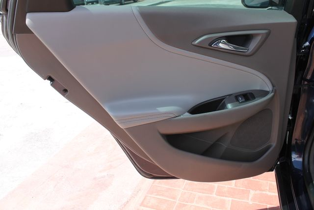 2016 Chevrolet Malibu - Image 16