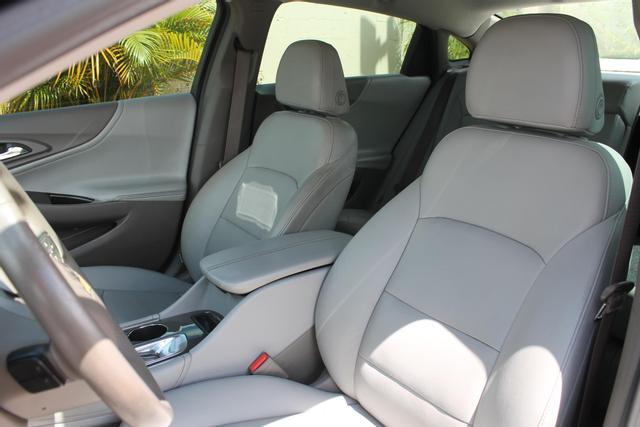 2016 Chevrolet Malibu - Image 8