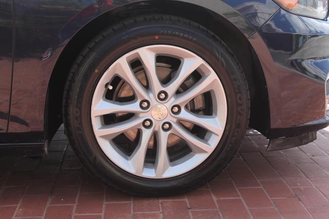 2016 Chevrolet Malibu - Image 31